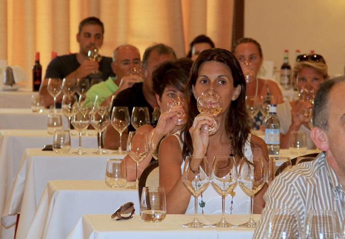 La promoción de la Ruta del Vino del Condado llega a más de 20.000 personas este verano