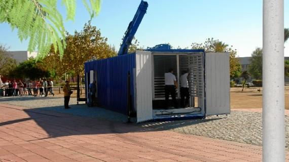 Investigadores de la UHU crean un prototipo de unidad móvil autónoma para generar energía renovable