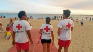el equipo de salvamento de Cruz Roja Huelva rescató a 51 personas que se encontraban en situación de peligro en el agua