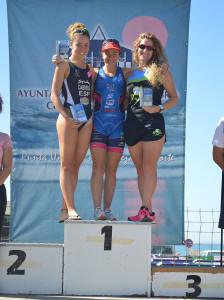 Ana Ruz, Irene Cabrera y Raquel Úbeda, en el podio femenino.