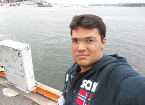 Miguel B. Peña ha estudiado Historia en la Universidad de Huelva.