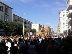 El sol y las buenas temperaturas han acompañado a la Procesión Magna de Huelva.