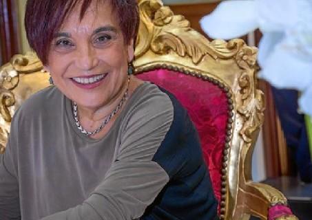 El perfume del amor, ópera prima de Antonia María Peralto, una artista que rompe en letras