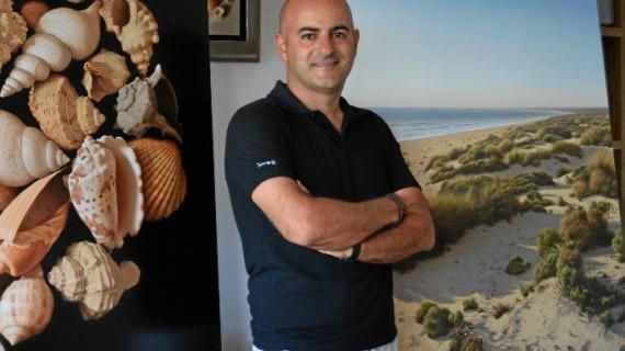 Antonio Cazorla, el artista onubense que ha conquistado Nueva York con los paisajes y dunas de Punta Umbría