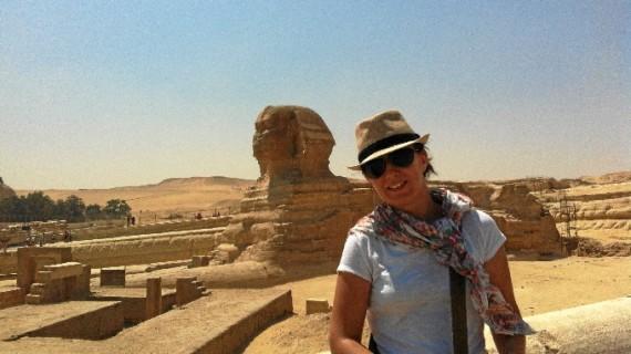 Una restauradora onubense forma parte de un proyecto que persigue la recuperación del templo funerario del faraón Tutmosis III en Egipto