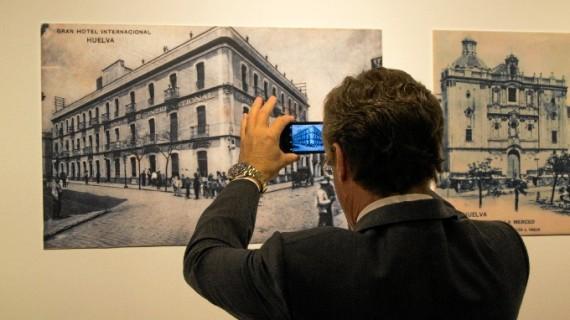 Una exposición fotográfica nos muestra la Huelva romántica de finales del siglo XIX y principios del XX