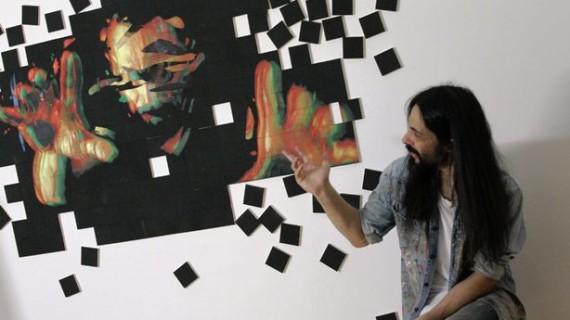El artista lepero Emilio Fornieles desarrolla la pintura en 3D ofreciendo su personal versión de 'Crimen y Castigo'