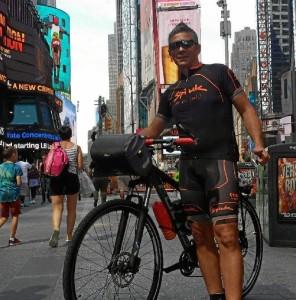 Quino Sánchez, un onubense aficionado al ciclismo al que le gusta superarse a sí mismo.