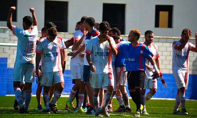 La Palma logró el triunfo en el derbi de la División de Honor Andaluza ante el Pinzón. / Foto: David Limón.