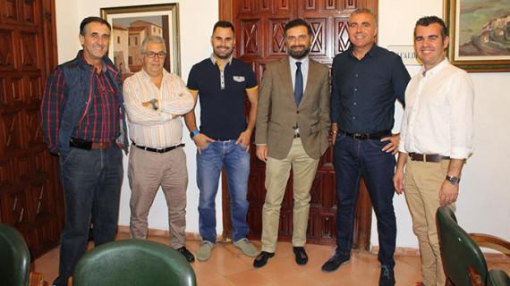 El Ayuntamiento de Moguer renueva su apoyo económico al proyecto deportivo del Pedro Alonso Niño