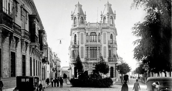 La tesis del onubense Javier López resalta el papel de los fotógrafos en la arquitectura, con Loty y Roisin como pioneros en Huelva