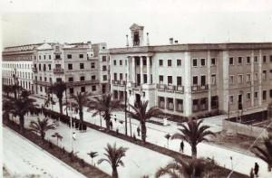 Imagen retrospectiva de la Avenida de Huelva en Badajoz, de la década de los sesenta del siglo pasado.