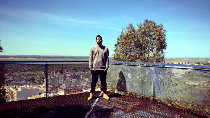 El artista onubense de rap Daniel Fernández Pérez presenta su primer disco 'Terapia de Xoke'