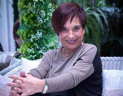 Antonia María Peralto presenta su primera novela, 'El perfume del amor'