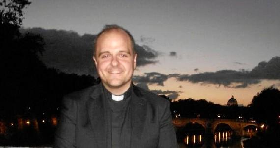 Juan Pablo Domínguez Teba, de la Palma del Condado a Roma para recibir formación en historia y bienes culturales de la Iglesia