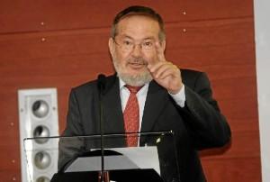 Palabras de intervención de Vicente Toti en el acto. / Foto: Javi Navarro.