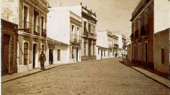Calle Rascón de Huelva en la última década del siglo XIX