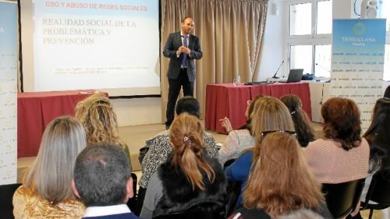 Conferencia sobre Redes Sociales y menores en Tierrallana