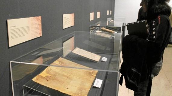 El Servicio de Archivos de la Mancomunidad del Condado expone tres documentos en el Museo Provincial de Huelva
