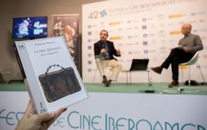 El libro ha sido presentado en el marco del Festival de Cine.
