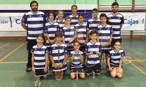 Los jóvenes valores del Recre IES La Orden, que ganaron sus dos encuentros en Huelva en 'Se Busca Campeón'.