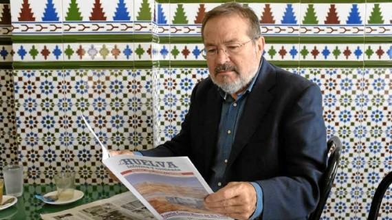 La Asociación de la Prensa de Huelva entrega el Premio Ángel Serradilla a Vicente Toti