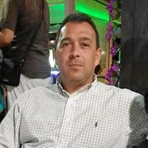Luis M. Iglesias es profesor de Secundaria.