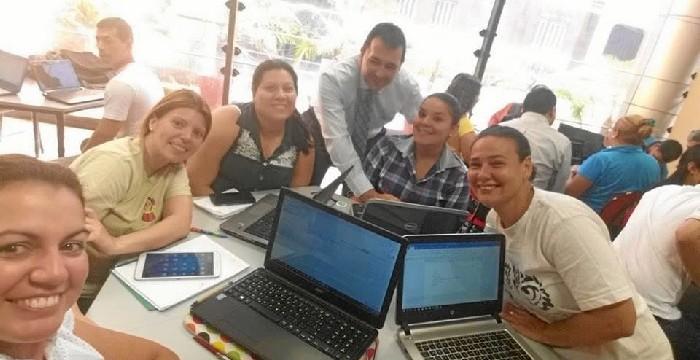 El profesor de Bollullos Luis M. Iglesias clausura en Paraguay un seminario internacional sobre el uso de las TIC en el aula
