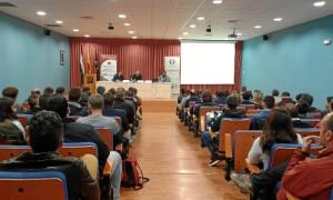 El Salón de Grados acogió la ponencia ponencia sobre las nuevas tendencias para el cultivo intensivo del aguacate.