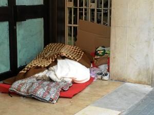 Personas sin hogar.