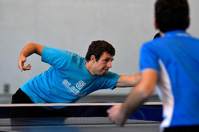 Adrián Robles dio el único punto al Conservas Lola en su partido ante los jerezanos. / Foto: J. L. Rúa.