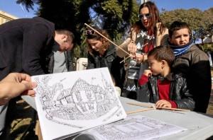 La cita ha albergado alleres infantiles de dibujo con los coloreables del artista onubense Andrés Espuela.
