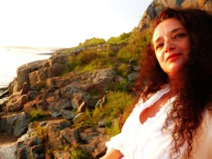 Cinta Hermo es una reconocida cantante en Finlandia, donde reside.