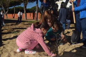 Colegio Enebral punta plantacion arboles