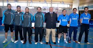 Protagonistas del partido de tenis de mesa que tuvo lugar en Ayamonte. / Foto: J. L. Rúa.