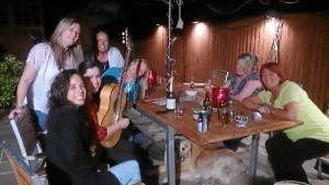 La onubense imparte clases particulares y talleres de guitarra flamenca. En la imagen, ofreciendo un concierto.