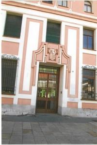 Portada principal del emblemático edificio.