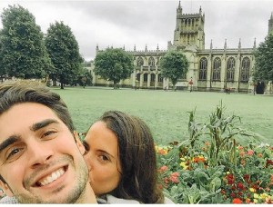 Su chico, que es griego, es un enamorado de España.