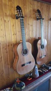 Son muchos los guitarristas que a día de hoy han confiado en la labor de este veterano luthier.
