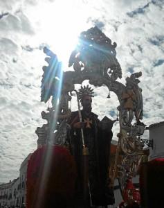 San Antonio Abad procesionando este 2017 por el pueblo de Trigueros.