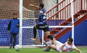El Pinzón acude a Lora con la moral arriba tras ganar por primera vez. / Foto: Antonio Alcalde.