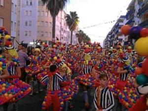 Uno de los grupos participantes en el desfile del pasado año.