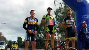 Podio masculino Élite en la prueba celebrada en Valverde del Camino.