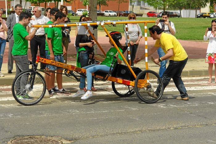 Comienzan los preparativos de la competición de vehículos solares en la Onubense