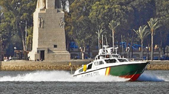 Rescatado un varón que se había caído de su kayak en la Ría de Huelva