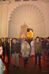 Rezo del Santo Rosario por el itinerario tradicional.