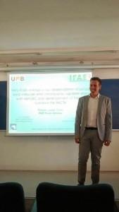 El onubense, el dia de la defensa de su tesis doctoral en el Institut de Física d'Altes Energies (IFAE), en Barcelona.