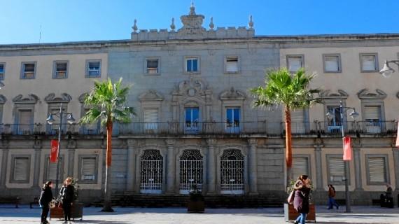El Ayuntamiento otorga a la Junta la licencia del edificio de Hacienda para su rehabilitación, cuyas obras no afectarán a la Semana santa
