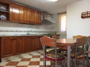 Las cocinas cuentan con todos los electrodomésticos necesarios.
