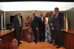 La decana junto al Comité Ejecutivo del Consejo General de Procuradores.